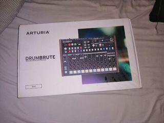 Sintetizador de percusión Arturia Drumbrute