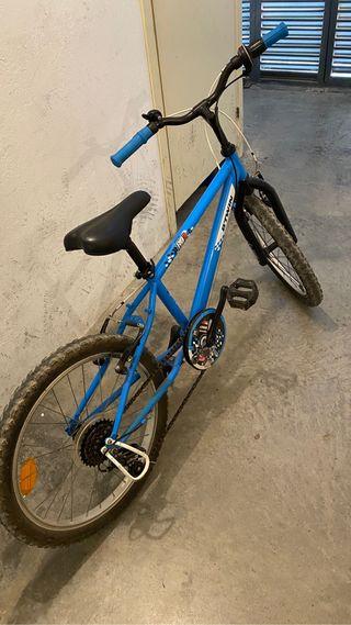 Bicicleta de 20 pulgadas con cambio de marchas.