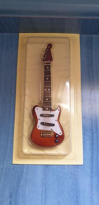 Guitarra Casa de Muñecas