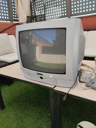 TV 14 con soporte y TDT