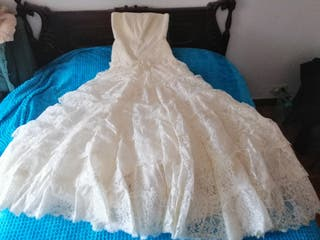 vestido novia, mantillaencaje y organza Rosa Clará