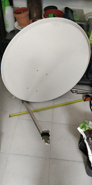 Antena parabólica y decodificador