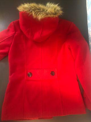 Abrigo trenca roja