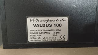 Dos altavoces Wharfedale Valdus 100