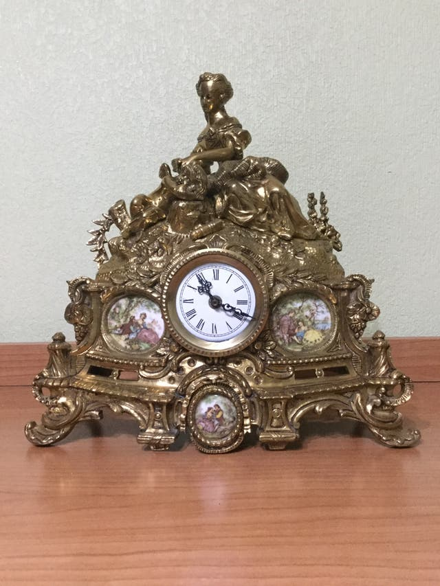 Reloj Bronce y Candelabros