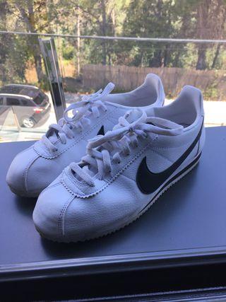 Nike correz talla 42