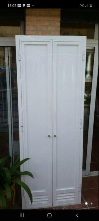 Puertas aluminio lacadas blancas