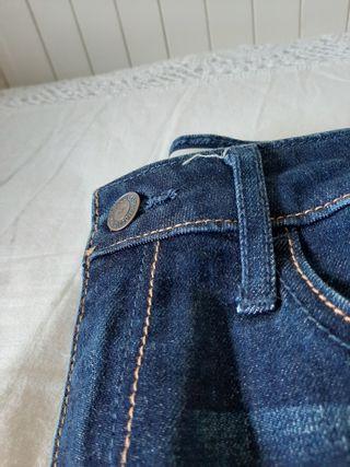 Jeans azul oscuro. Hollister. Talla 34-36