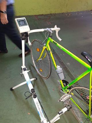 rulo Ciclosimulator más bicicleta MBK