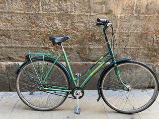 Bicicleta de ciudad o paseo clásica