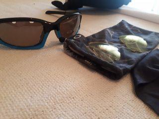 Gafas de deporte Oakley originales polarizadas.
