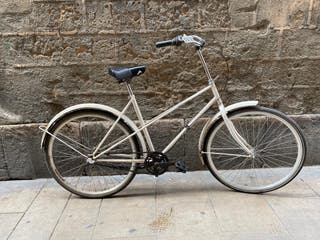 Bicicleta de ciudad o de paseo clásica