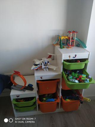 Mueble organizador de juguetes Ikea