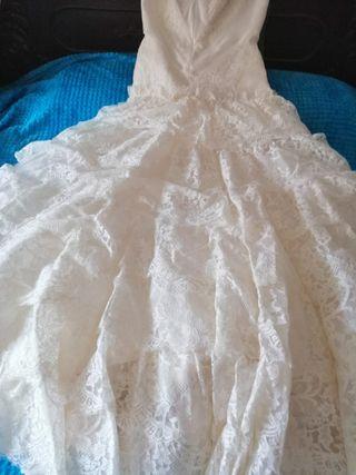 vestido boda, mantilla y enagua Rosa Clará