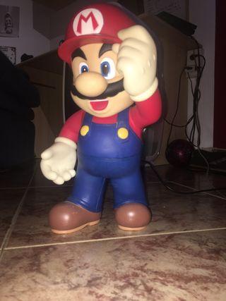 Estatua mediana Mario bros