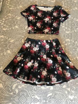 Conjunto crop top y falda