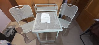 Conjunto mesa y 2 sillas jardin/terraza de acero.