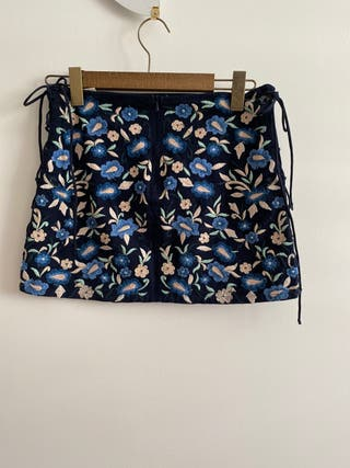 Falda brodada azul