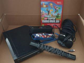 Nintendo Wii + 2 mandos + 2 juegos