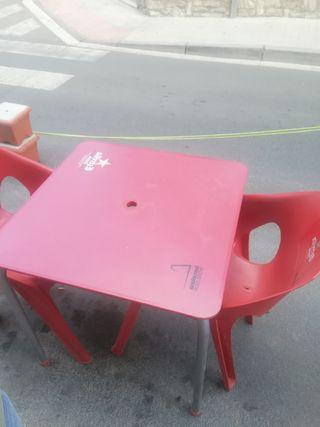 mesas y sillas terraza bar