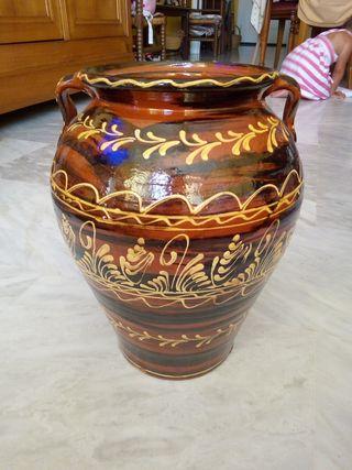Jarron de cerámica.