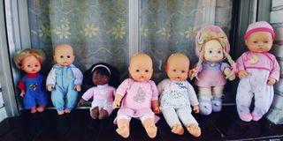 lote de 7 muñecas variadas,dos de famosa