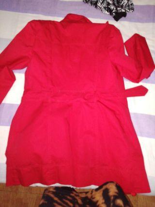 chaqueta roja mujer
