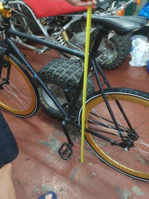 Fixie fixed gear