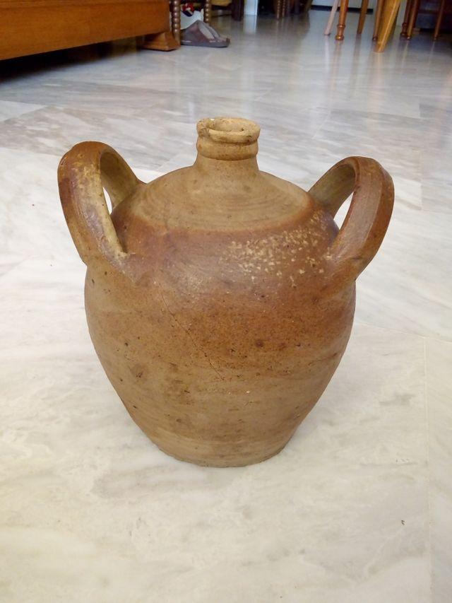 Botijo antiguo de gres