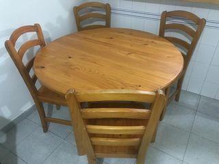 Mesa y 4 sillas madera