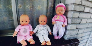 lote de tres muñecos de famosa,
