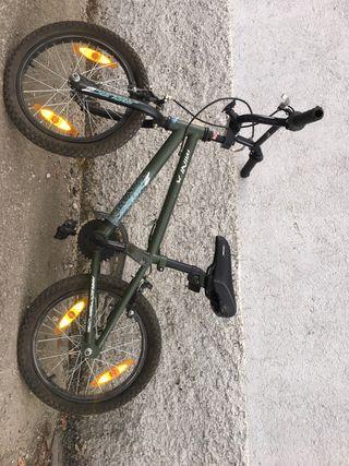 Bicicleta BMX pequeña para niños