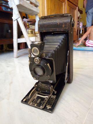 Cámara foto antigua Kodak Eastman