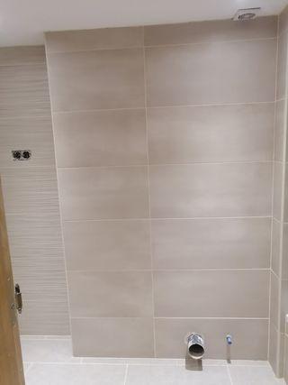 Se hacen reformas alicatados tina plato de ducha