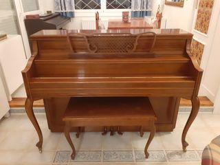 Piano Yamaha de pared vertical en muy buen estado