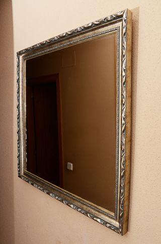 Espejo clásico grande de pared