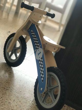 Preciosa bici de madera