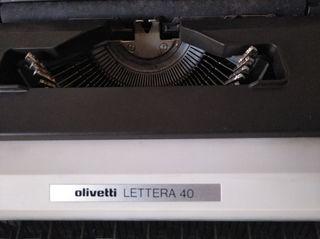 Maquina de escribir olivetti lettera 40