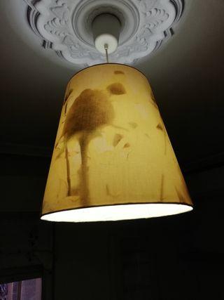 Lámpara campana con decoración