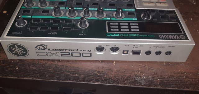 Yamaha DX200