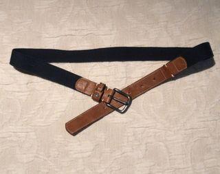 Pantalón hombre, salsa. Cinturón, salsa.