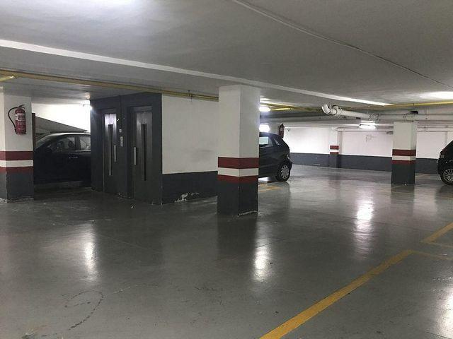 Garaje en alquiler en Centro en Murcia