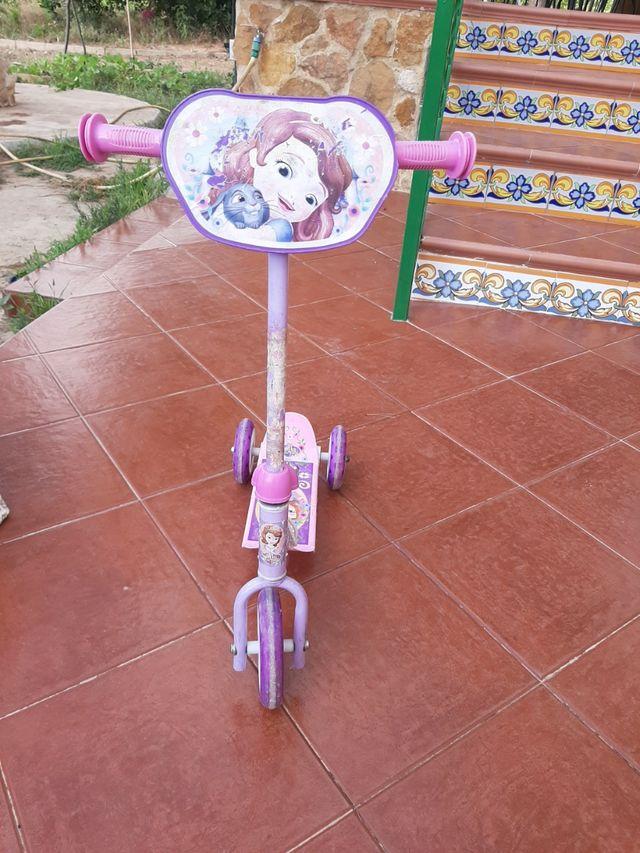 Patinete princesa Sofía muy chulo!!