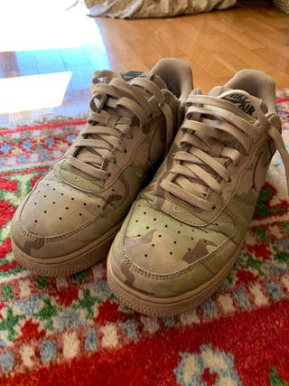 Nike Air Force LV8 camuflaje reflectante. N 40