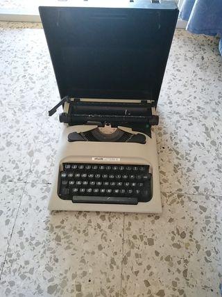 máquina de escribir a mano