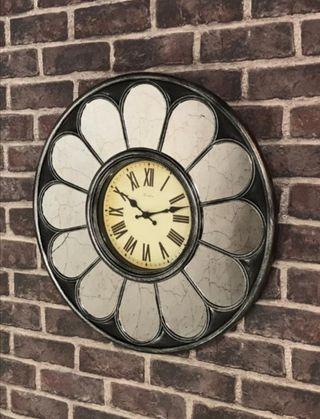 Reloj espejo flor