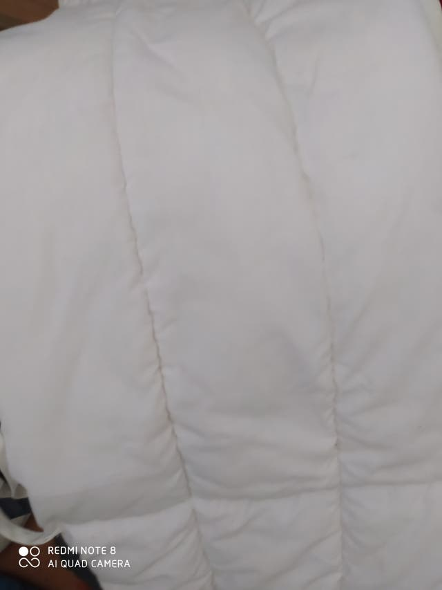 protector de cuna blanco