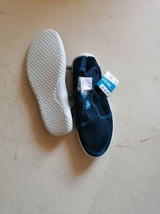 zapatos de agua