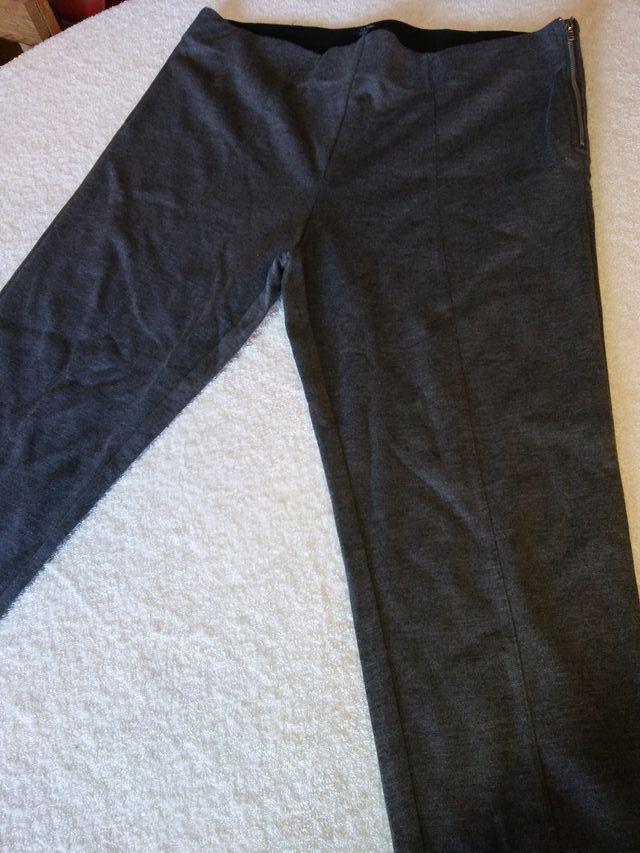 Bonito Pantalon De Mujer Kiabi Talla Xl De Segunda Mano Por 2 En Igualada En Wallapop