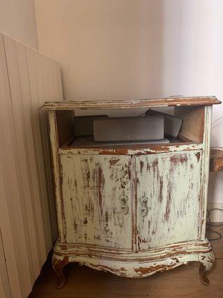 Mesita armario antiguo decapado